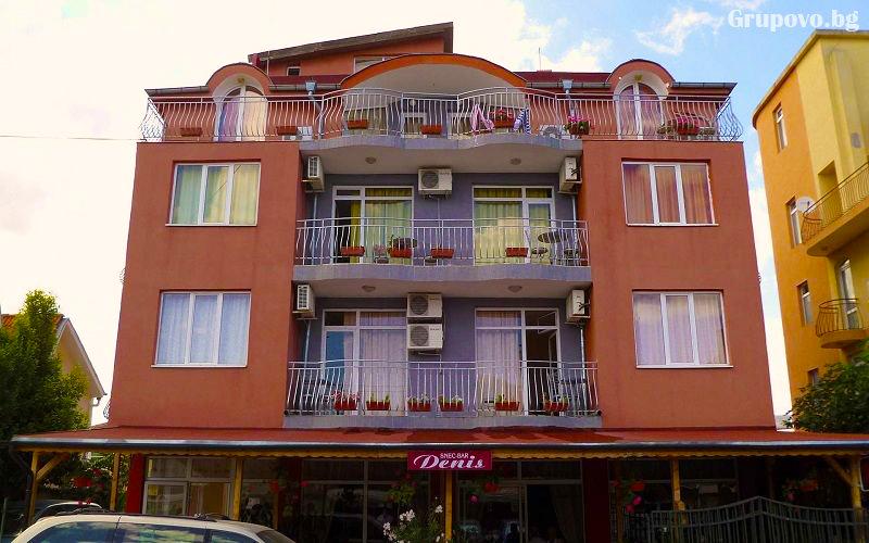 Нощувка или нощувка със закуска на човек + басейн ТОП ЦЕНИ в хотел Денис, Равда, снимка 3