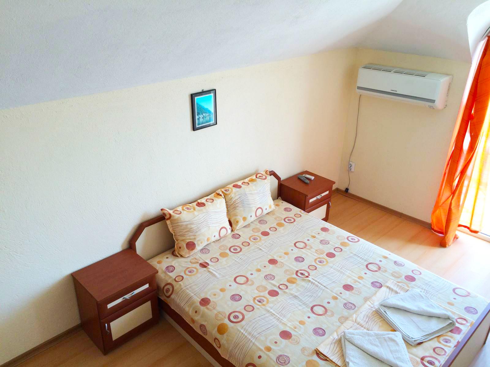 Нощувка или нощувка със закуска на човек + басейн ТОП ЦЕНИ в хотел Денис, Равда, снимка 8