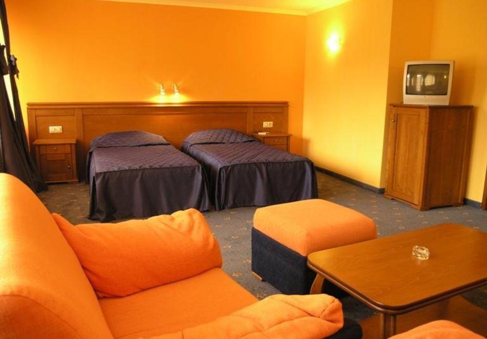 Великден в хотел Троян Плаза! 3, 4 или 5 нощувки на човек със закуски и вечери, едната празнична + релакс пакет, снимка 4