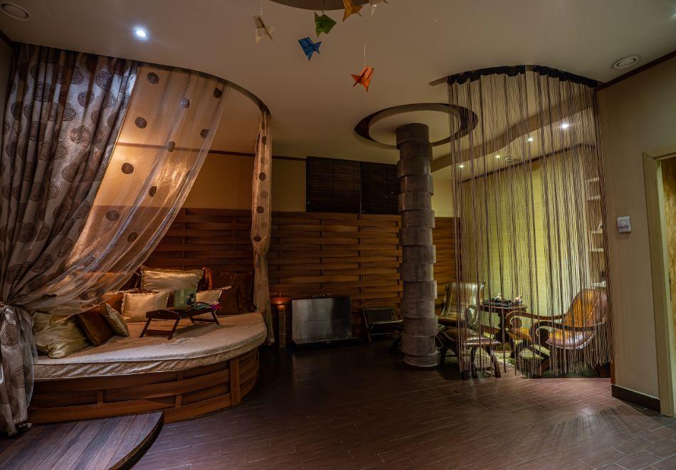 Нощувка на човек със закуска + басейн и СПА зона от хотел Дипломат Плаза****, Луковит, снимка 7