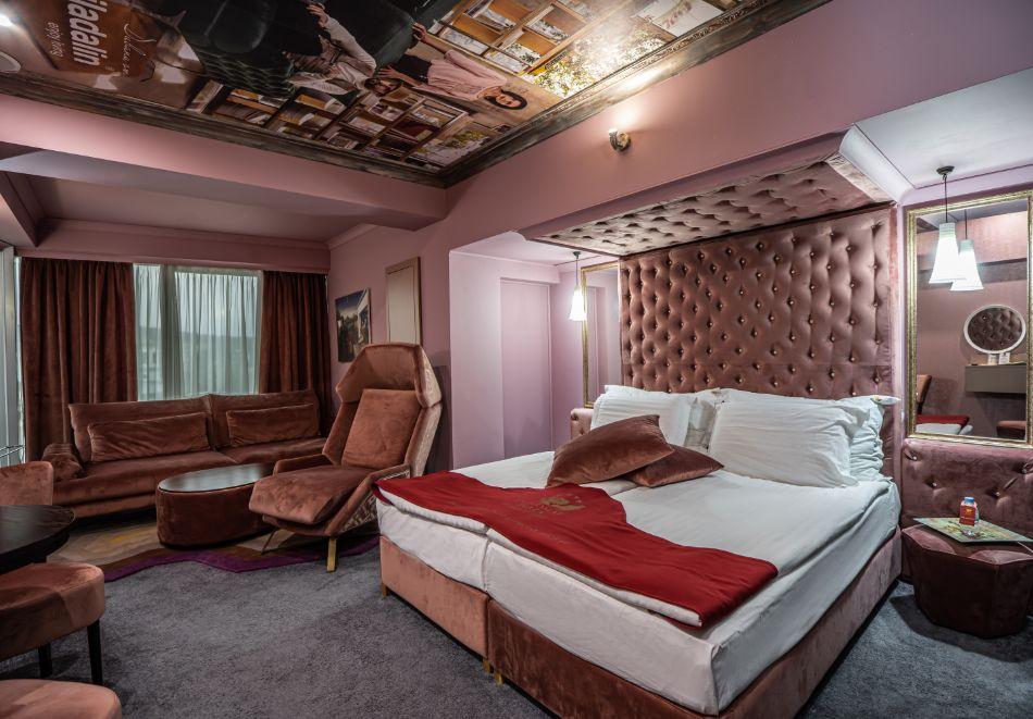 Нощувка на човек със закуска + басейн и СПА зона от хотел Дипломат Плаза****, Луковит, снимка 16