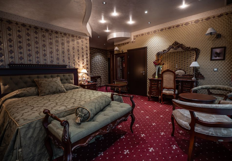 Нощувка на човек със закуска + басейн и СПА зона от хотел Дипломат Плаза****, Луковит, снимка 22