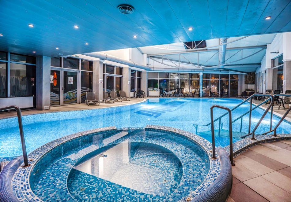 Нощувка на човек със закуска + басейн и СПА зона от хотел Дипломат Плаза****, Луковит, снимка 3