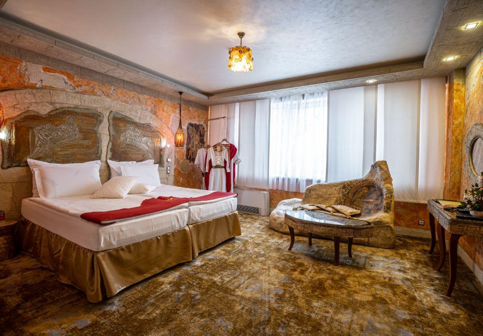 Нощувка на човек със закуска + басейн и СПА зона от хотел Дипломат Плаза****, Луковит, снимка 9