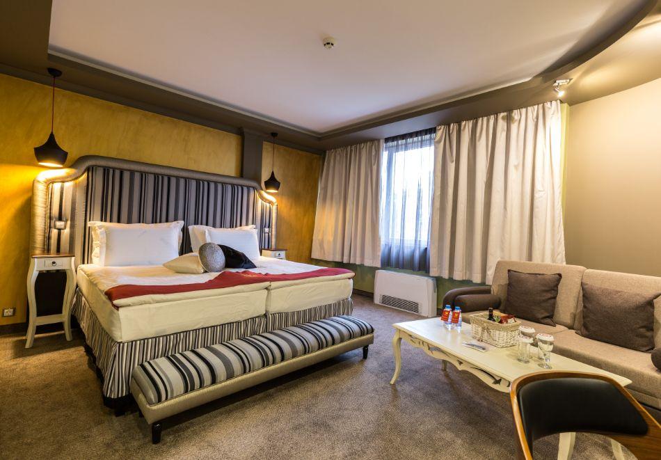 Нощувка на човек със закуска + басейн и СПА зона от хотел Дипломат Плаза****, Луковит, снимка 10