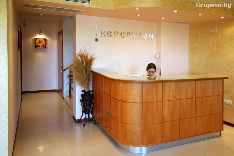 Нощувка на човек в хотел Свети Никола, Несебър, снимка 4