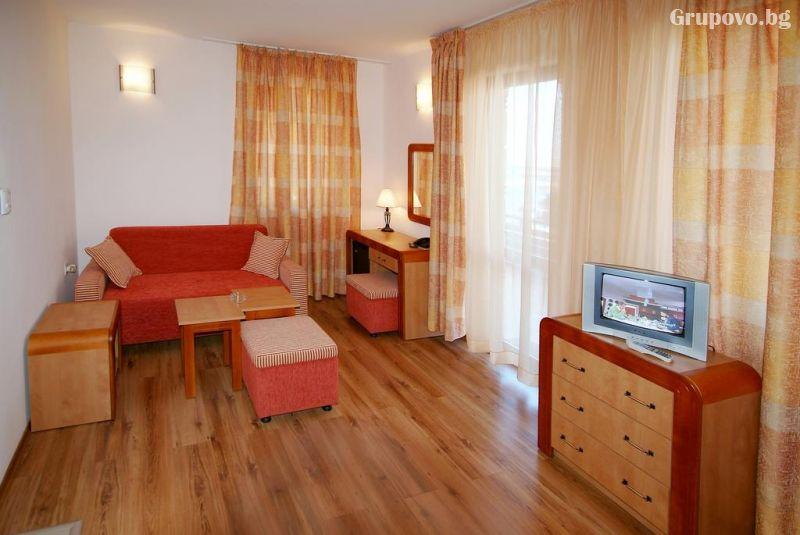 Нощувка на човек в хотел Свети Никола, Несебър, снимка 6