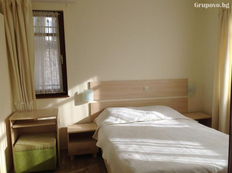 Нощувка на човек в хотел Свети Никола, Несебър, снимка 13