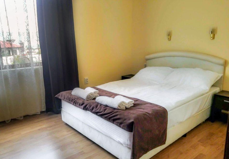 2 нощувки на човек + вечери + минерален басейн в Апартаменти за гости Сапарева Апарт, гр.Сапарева Баня, снимка 11
