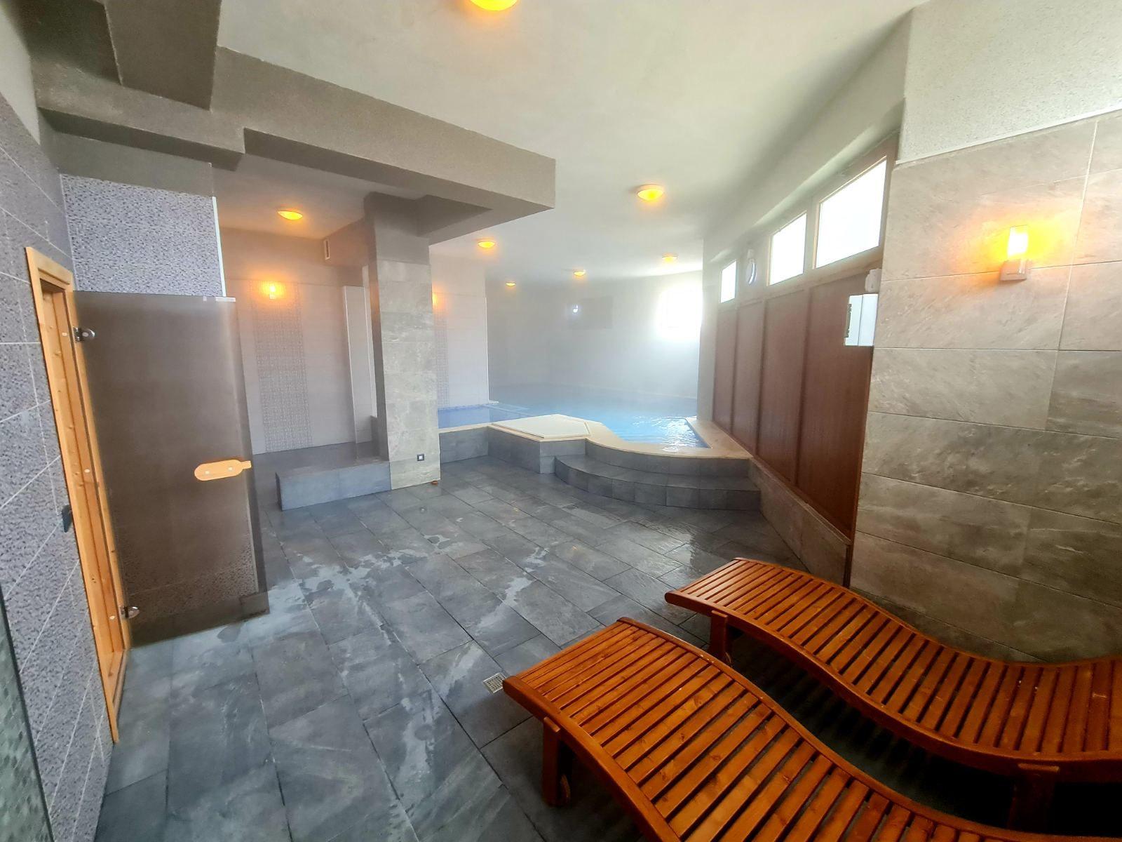 2 нощувки на човек със закуски и вечери + минерален басейн в Апартаменти за гости Сапарева Апарт, гр.Сапарева Баня, снимка 9