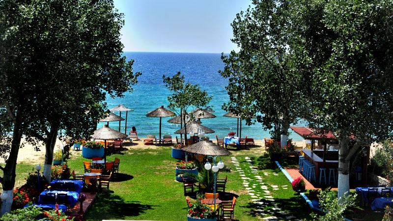 На брега на морето в Халкидики, Гърция. Нощувка на човек със закуска и вечеря в хотел Ангелос Гардън, Tорони, снимка 5
