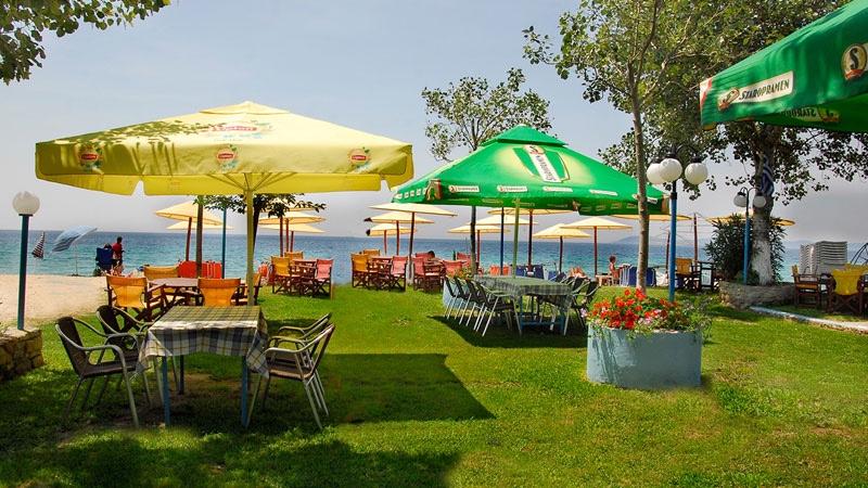 На брега на морето в Халкидики, Гърция. Нощувка на човек със закуска и вечеря в хотел Ангелос Гардън, Tорони, снимка 4