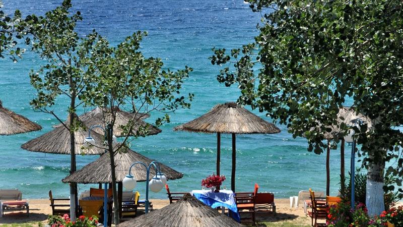 На брега на морето в Халкидики, Гърция. Нощувка на човек със закуска и вечеря в хотел Ангелос Гардън, Tорони, снимка 13