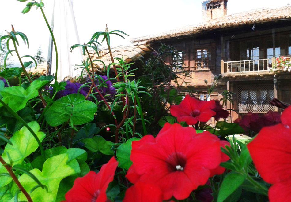 Делник в Копривщица! Наем за 1, 2, 3, 4 или 5 нощувки на къща с капацитет 9 човека + барбекю от Траянова къща, снимка 3
