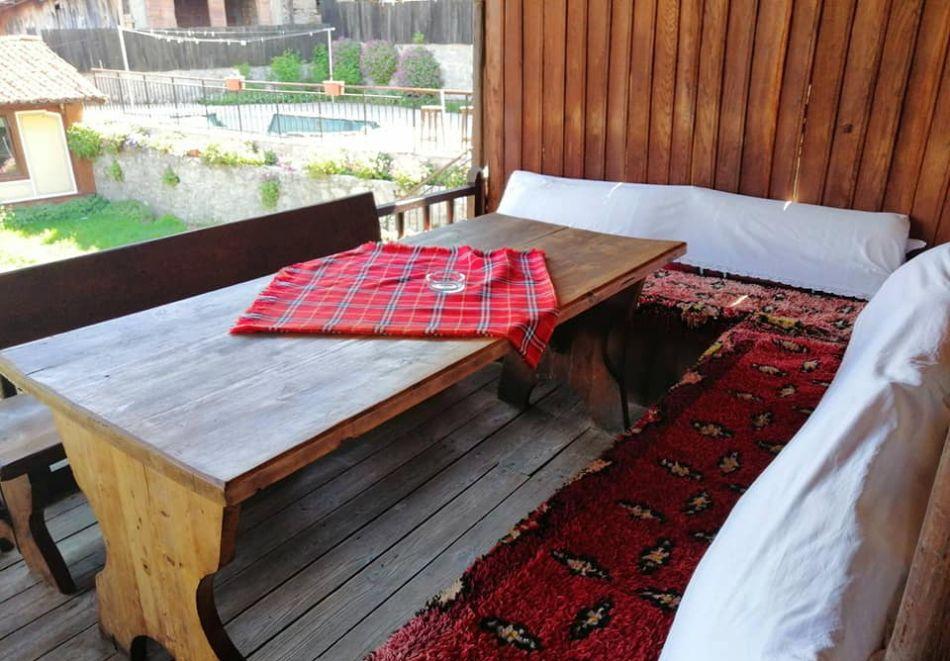 Делник в Копривщица! Наем за 1, 2, 3, 4 или 5 нощувки на къща с капацитет 9 човека + барбекю от Траянова къща, снимка 10