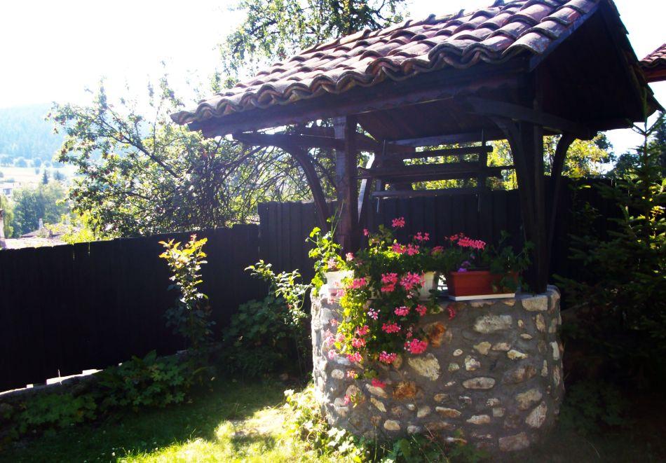Делник в Копривщица! Наем за 1, 2, 3, 4 или 5 нощувки на къща с капацитет 9 човека + барбекю от Траянова къща, снимка 13