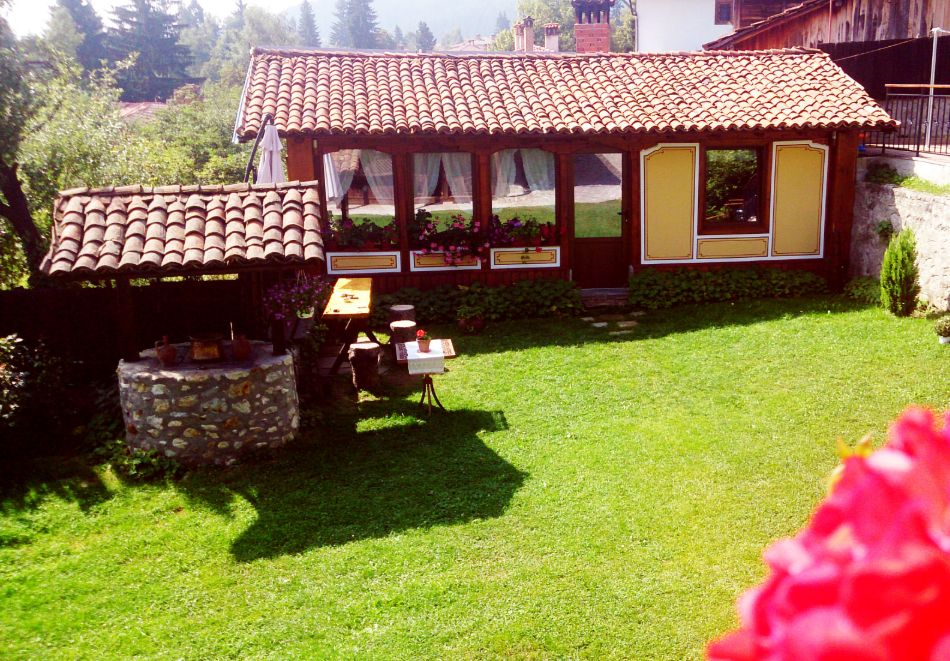 Делник в Копривщица! Наем за 1, 2, 3, 4 или 5 нощувки на къща с капацитет 9 човека + барбекю от Траянова къща, снимка 12