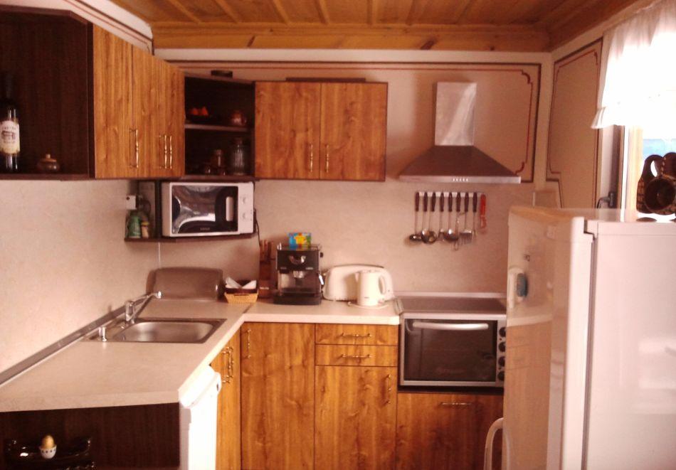 Делник в Копривщица! Наем за 1, 2, 3, 4 или 5 нощувки на къща с капацитет 9 човека + барбекю от Траянова къща, снимка 9