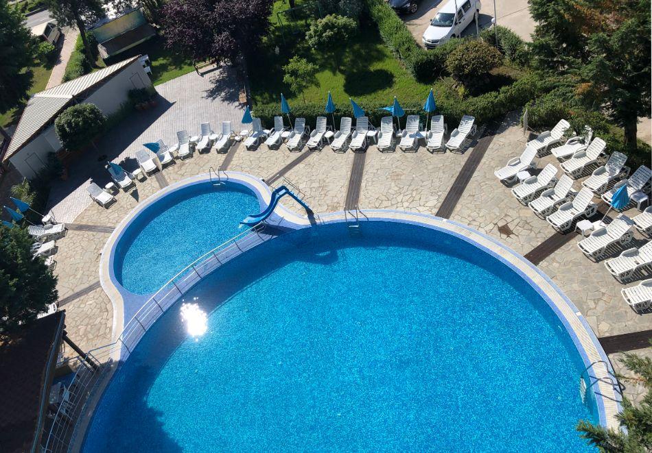 Нощувка на човек със закуска + басейн в хотел Палма, Слънчев Бряг, снимка 5
