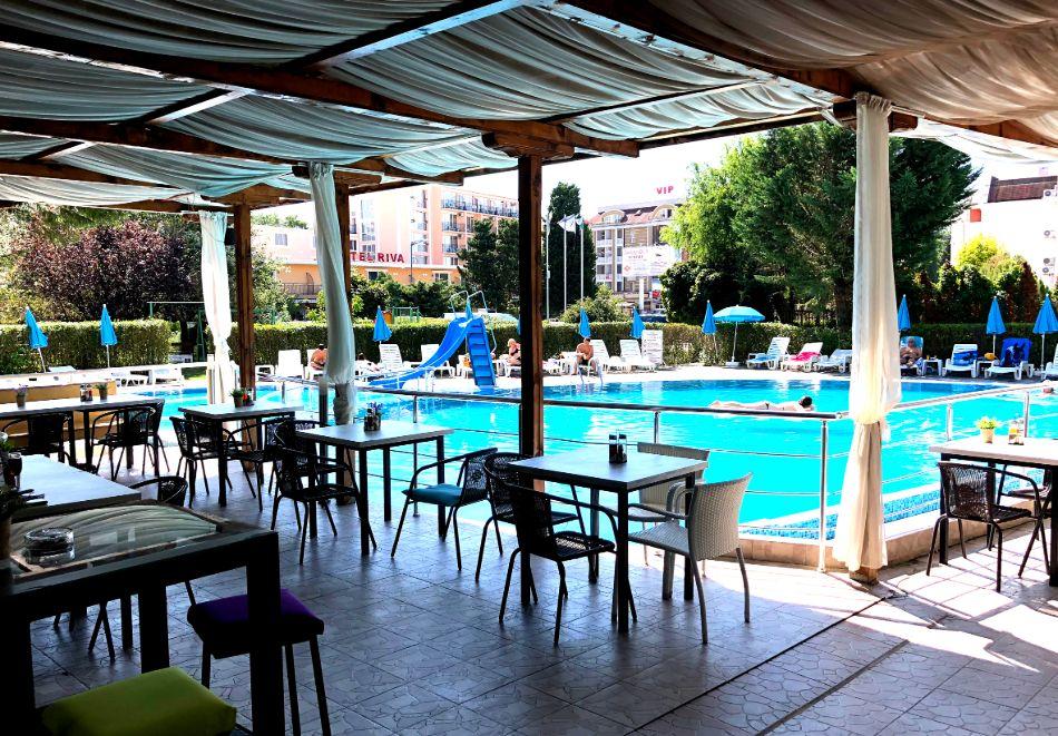 Нощувка на човек със закуска + басейн в хотел Палма, Слънчев Бряг, снимка 25