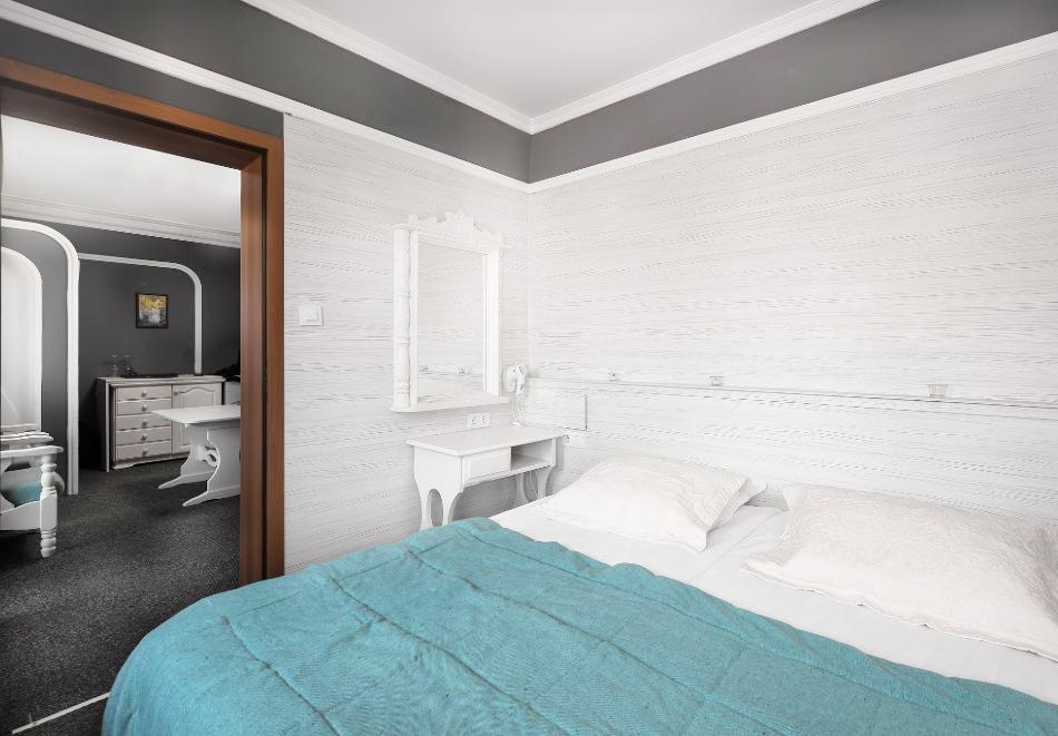 Великден в хотел Боряна, кв. Крайморие, Бургас! 3, 5 или 7 нощувки на човек със закуски + празничен обяд, снимка 4
