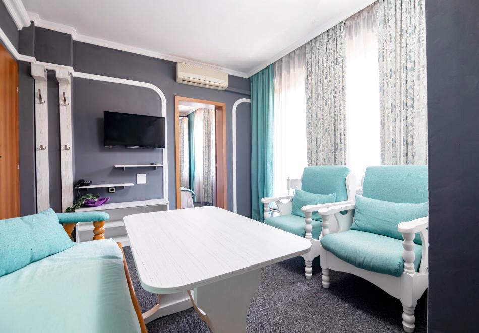Великден в хотел Боряна, кв. Крайморие, Бургас! 3, 5 или 7 нощувки на човек със закуски + празничен обяд, снимка 3
