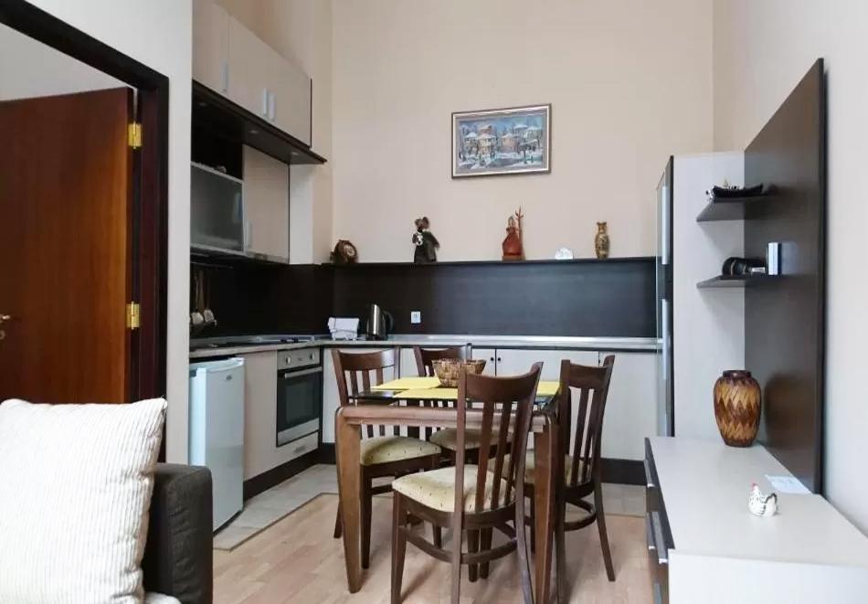 Почивка в Боровец! 2, 3 или 5 нощувки за двама възрастни + две деца до 14г. от ТЕС Флора апартаменти, снимка 5