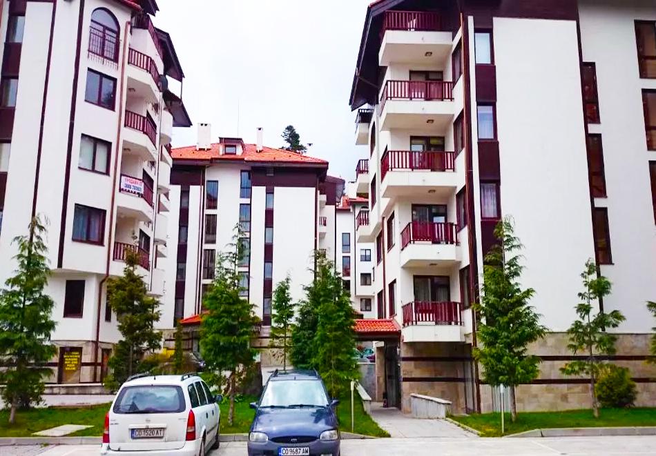 Почивка в Боровец! 2, 3 или 5 нощувки за двама възрастни + две деца до 14г. от ТЕС Флора апартаменти, снимка 2
