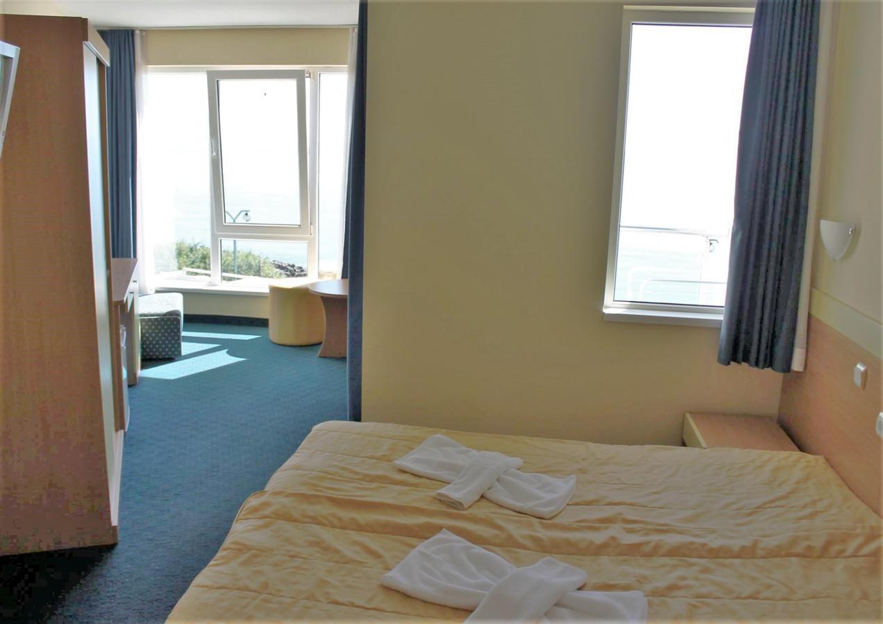 На ПЪРВА ЛИНИЯ в Китен! 5 нощувки на човек със закуски, обеди и вечери + басейн в хотел Елит, снимка 11