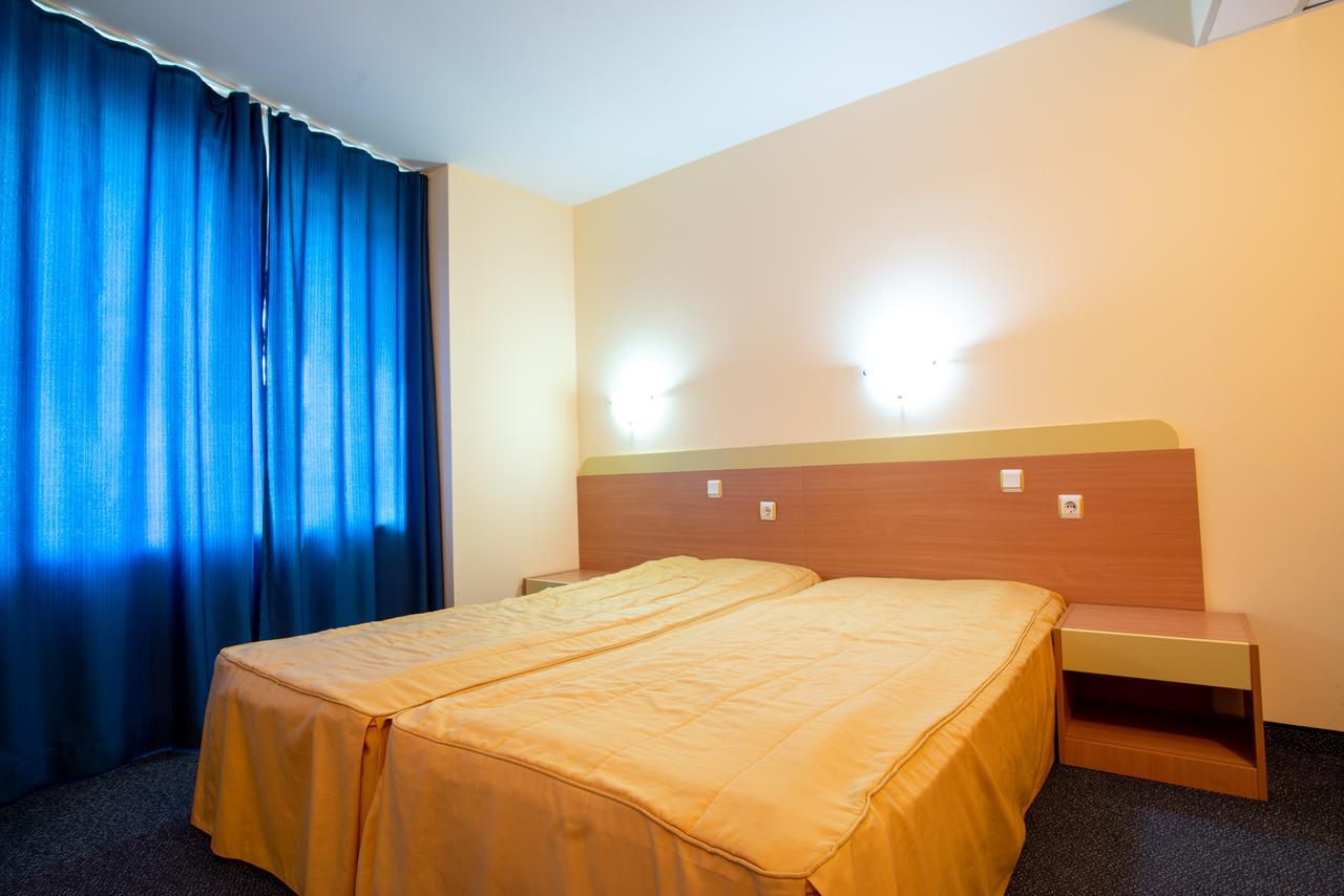 На ПЪРВА ЛИНИЯ в Китен! 5 нощувки на човек със закуски, обеди и вечери + басейн в хотел Елит, снимка 10