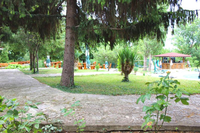 Нощувка на човек със закуска + басейн от Парк хотел Здравец***, к.к. Чайка. Дете до 12г. - БЕЗПЛАТНО!, снимка 13