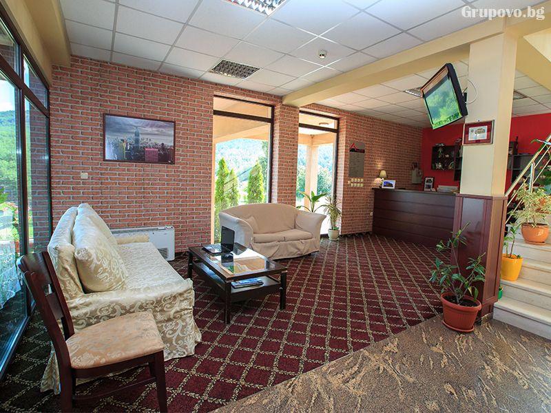 През май и юни в Сандански. Нощувка на човек със закуска и вечеря* + басейн и релакс зона в хотел Тайм Аут***, снимка 11