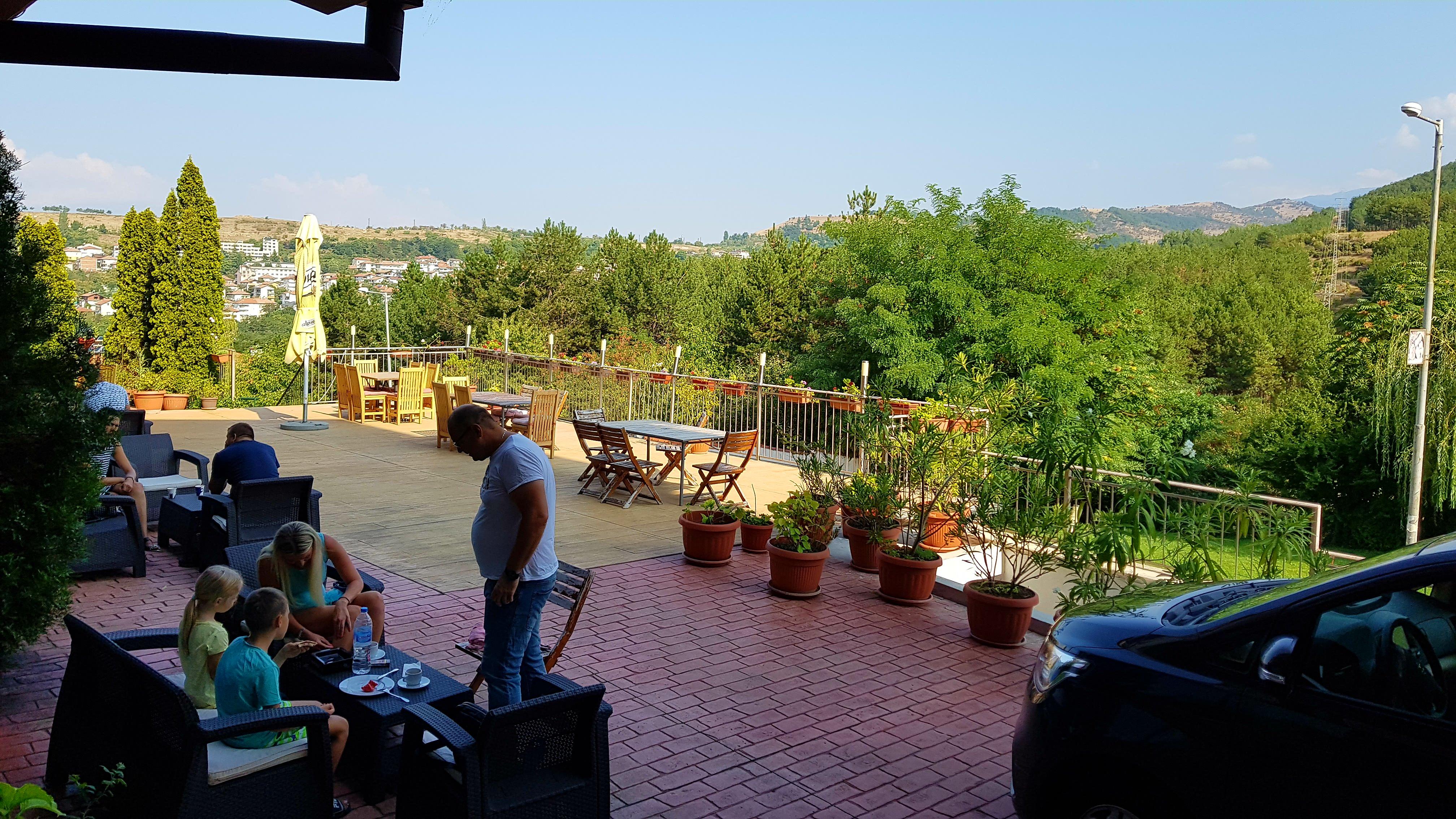 През май и юни в Сандански. Нощувка на човек със закуска и вечеря* + басейн и релакс зона в хотел Тайм Аут***, снимка 12