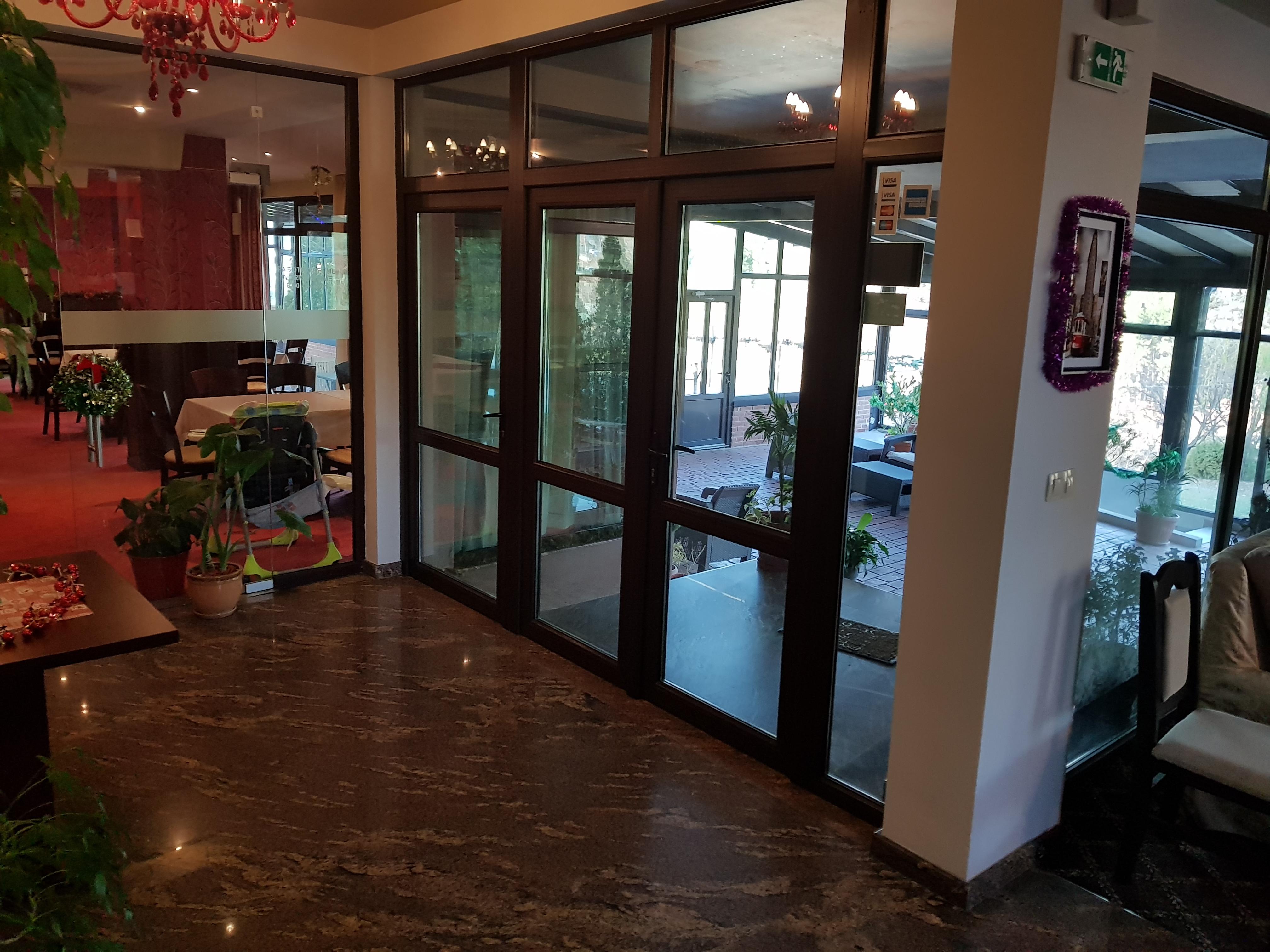 През май и юни в Сандански. Нощувка на човек със закуска и вечеря* + басейн и релакс зона в хотел Тайм Аут***, снимка 10