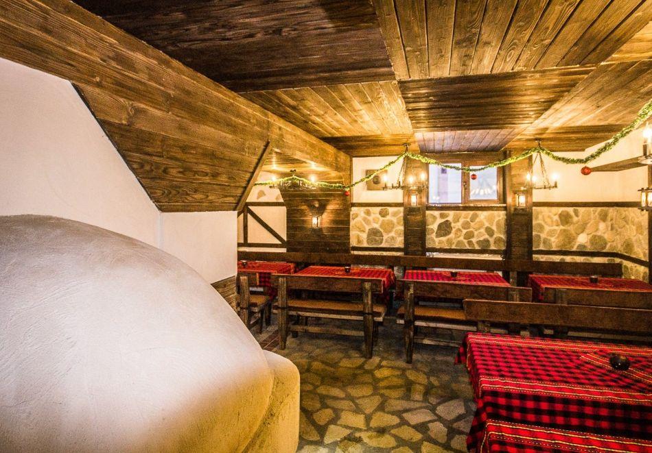 Нощувка на човек със закуска и вечеря само за 39 лв. в къща за гости Баче Тодор, Добринище., снимка 13