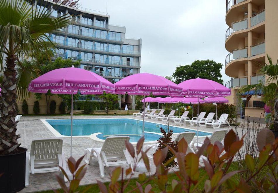 Лято в Китен на 50м. от морето! Нощувка на човек, закуска и вечеря с напитки + басейн в НОВИЯ хотел Елица***, снимка 6
