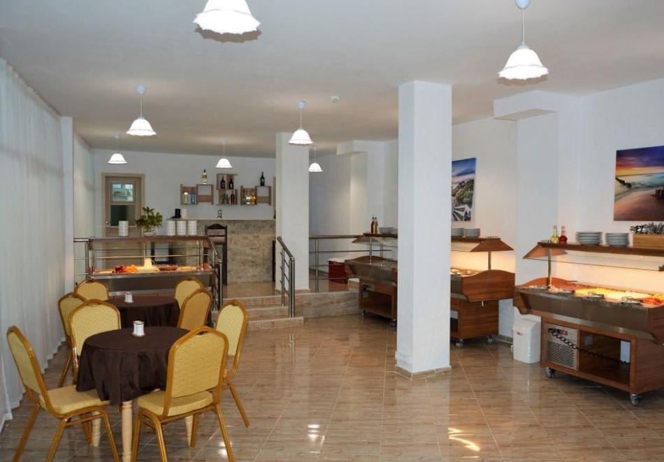 Лято в Китен на 50м. от морето! Нощувка на човек, закуска и вечеря с напитки + басейн в НОВИЯ хотел Елица***, снимка 16