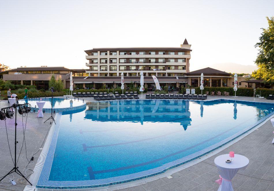 Нощувка на човек със закуска и вечеря + басейн с МИНЕРАЛНА вода и СПА пакет от хотел Севтополис Балнео и СПА****, Павел баня, снимка 5