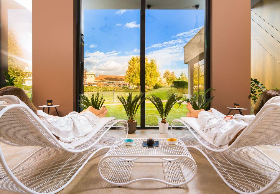 Нощувка на човек със закуска и вечеря + басейн с МИНЕРАЛНА вода и СПА пакет от хотел Севтополис Балнео и СПА****, Павел баня, снимка 13