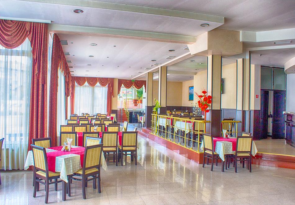 2 или повече нощувки на човек със закуски, обеди и вечери + вътрешен минерален басейн в хотел Сарай, до Велинград, снимка 4