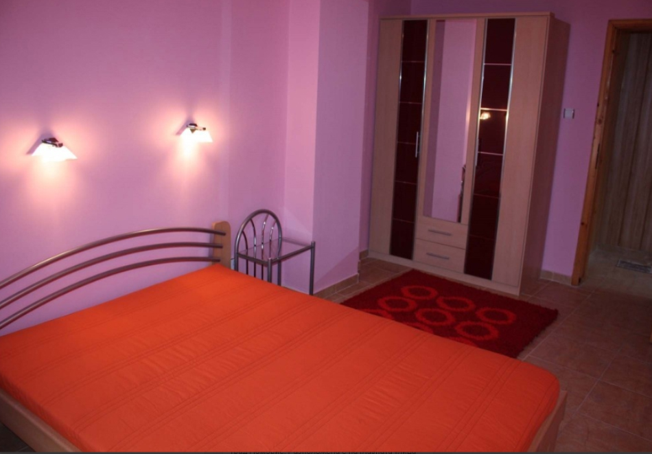 Нощувка за трима, четирима или петима в къща за гости Фенер, Поморие, снимка 8