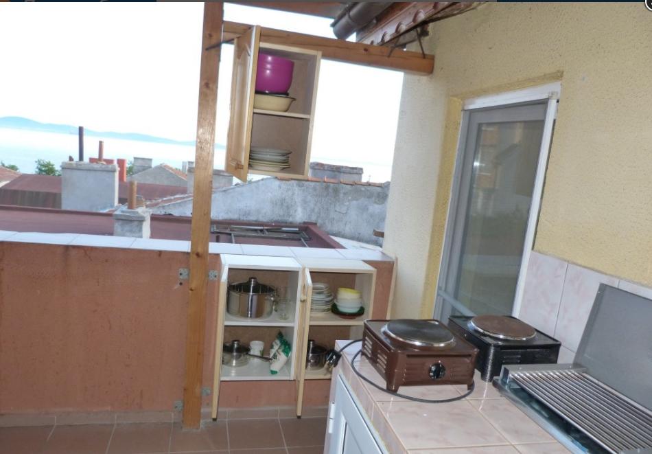 Нощувка за трима, четирима или петима в къща за гости Фенер, Поморие, снимка 10