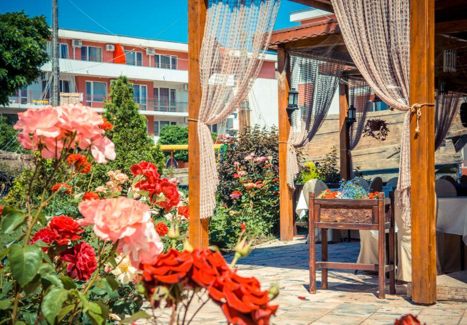 5 или 7 нощувки в двуспален апартамент за до 5-ма + басейни в Привилидж Форт Бийч, между Св. Влас и Елените, снимка 17