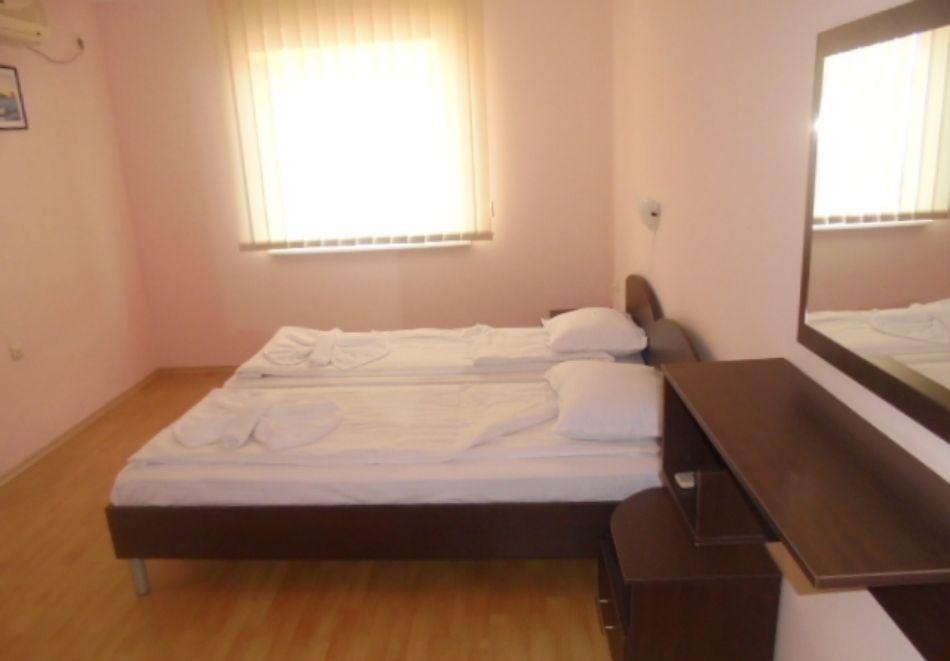 5 или 7 нощувки в двуспален апартамент за до 5-ма + басейни в Привилидж Форт Бийч, между Св. Влас и Елените, снимка 9
