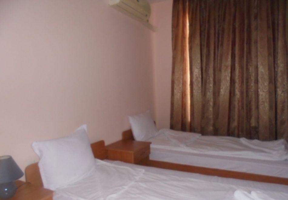 5 или 7 нощувки в двуспален апартамент за до 5-ма + басейни в Привилидж Форт Бийч, между Св. Влас и Елените, снимка 8
