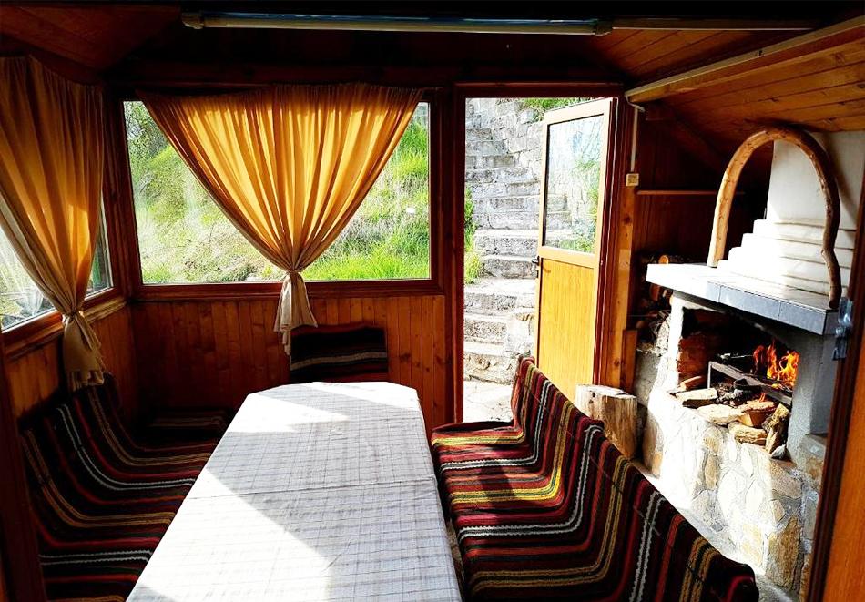2 нощувки със закуски на човек в хотел Зенит, с. Сатовча, край Доспат, снимка 14