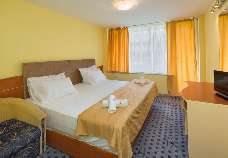 3, 5 или 7 нощувки на човек на база All Inclusive + басейн и собствен плаж от хотел Бона Вита, Златни пясъци. Дете до 12г. - безплатно!, снимка 13
