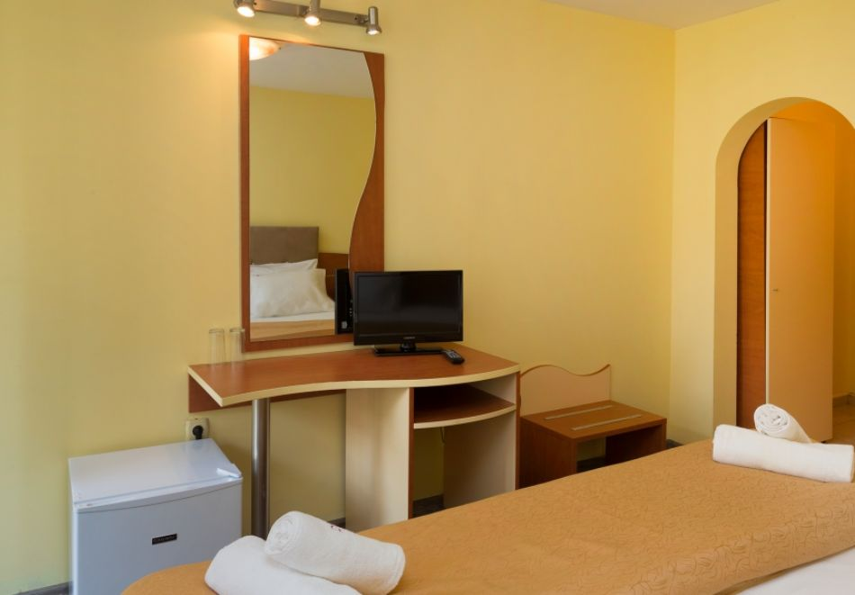 3, 5 или 7 нощувки на човек на база All Inclusive + басейн и собствен плаж от хотел Бона Вита, Златни пясъци. Дете до 12г. - безплатно!, снимка 12