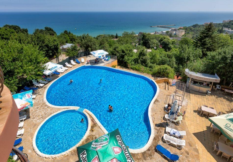 3, 5 или 7 нощувки на човек на база All Inclusive + басейн, чадър и шезлонг на плажа и анимация от хотел Аргищ Палас***, Златни пясъци. Дете до 12г - Безплатно!, снимка 2