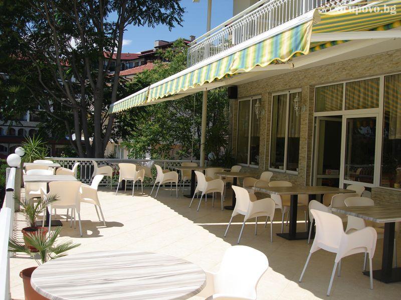Лято на 50м. от плажа в Свети Влас! Нощувка на човек със закуска и вечеря + басейн от хотел Панорама***, снимка 10